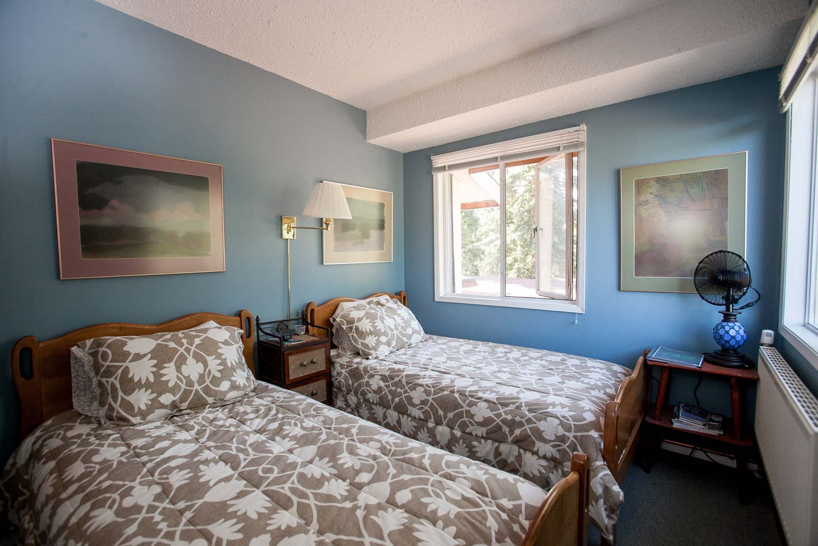 Blue Guest Room at Hidden Valley B&B Whitehorse