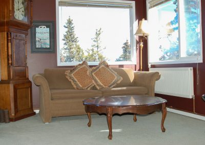 cappuccino suite seating area, hidden valley bb, yukon