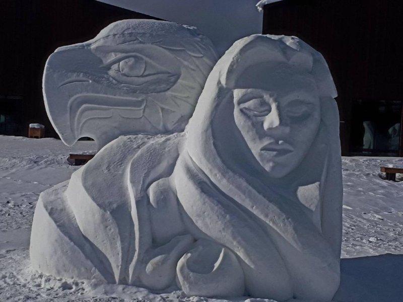 Sourdough Rendezvous 2018 - Ice Sculpture - Eagle & Woman
