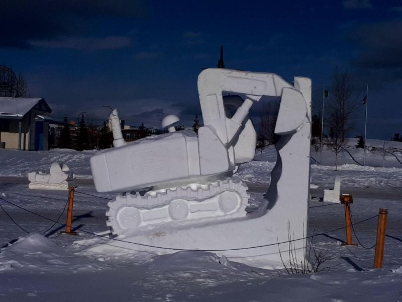 Sourdough Rendezvous 2018 - Ice Sculpture - Excavator
